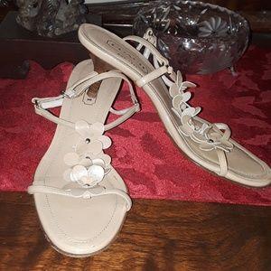 Coach Kelly beige flower sandals kitten  heel 5.5B